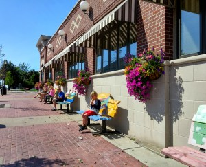 We used all of the benches in front of House of Flavors (aka House of Most Delicious Ice Cream Ever!)