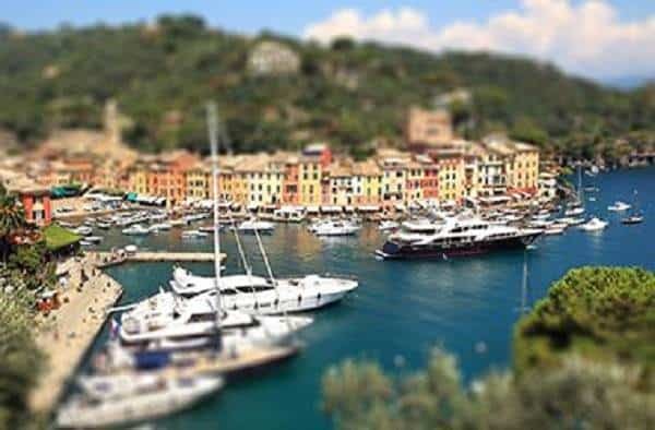 Create a Tilt-Shift blur Effect in Photoshop CS6