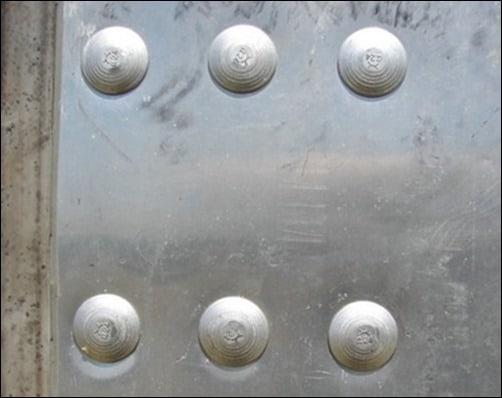metal-bolts-texture