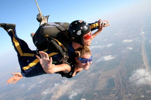 Parachuting in israel