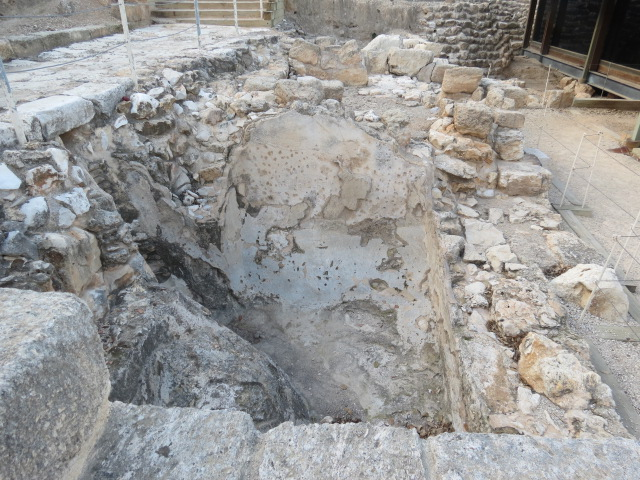Mikveh near synagogue