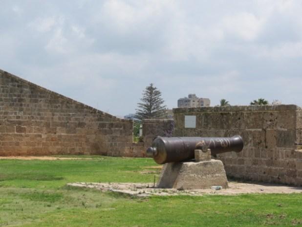 Acco Walls