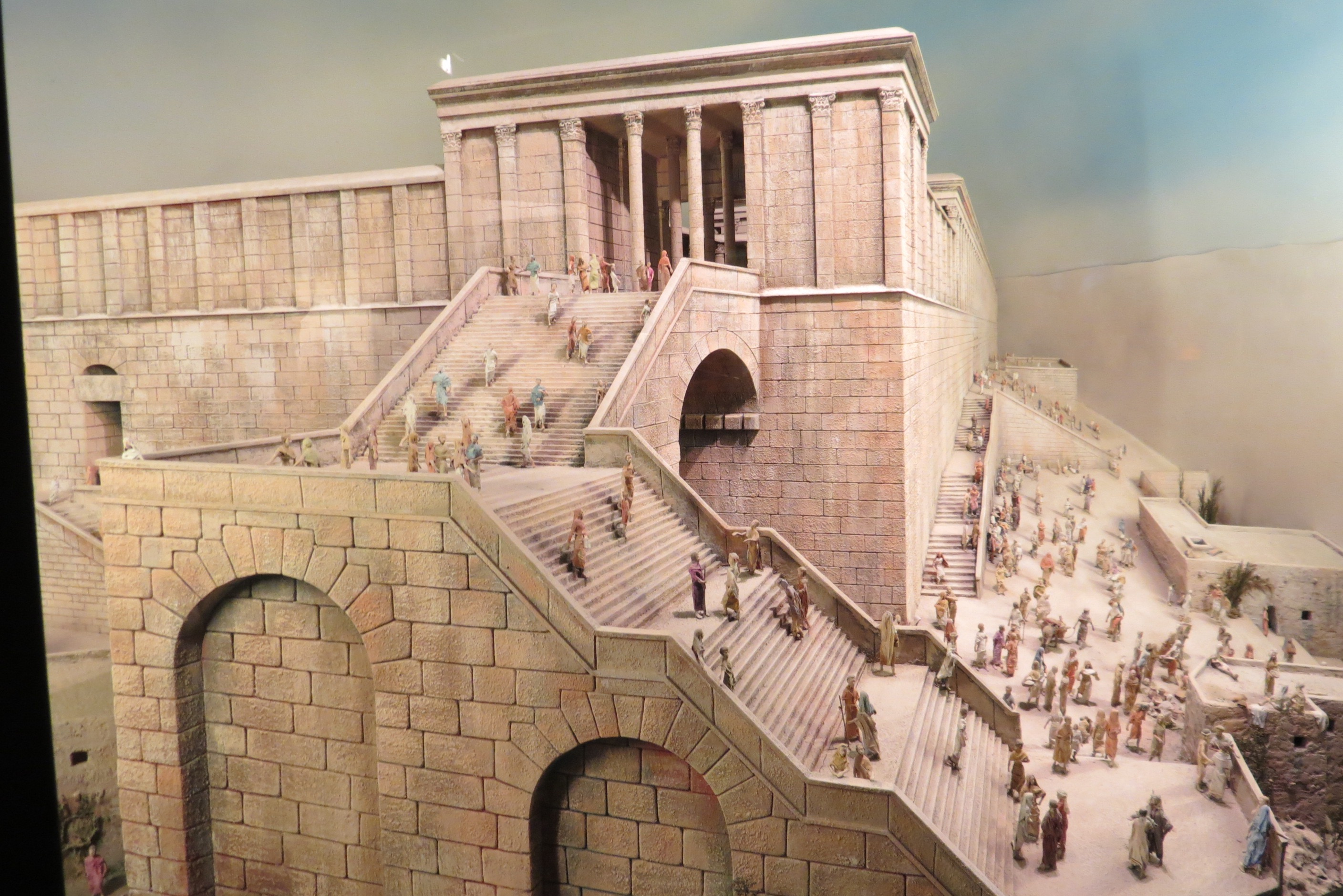 Robinson's Arch - The largest interchange in the ancient world