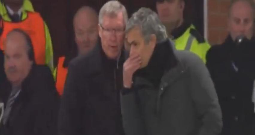 Doi manageri. Ce i-a spus Mou lui Ferguson în timpul meciului?