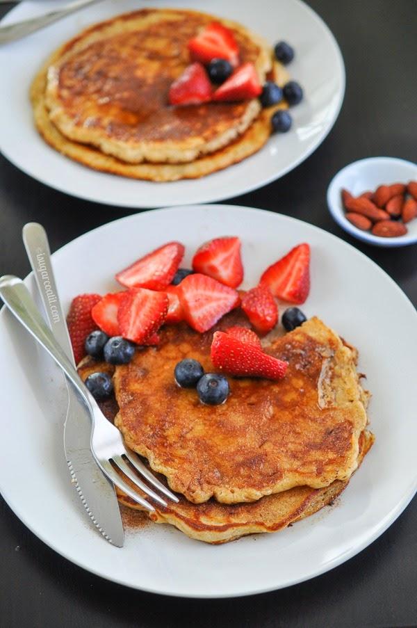 Almond Oat Bran Pancakes {Breakfast Club}