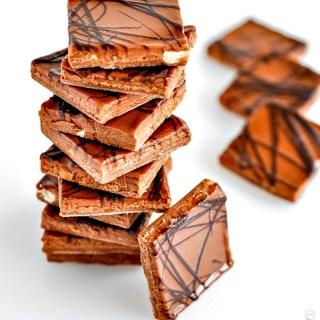 2-Ingredient Chocolate Peanut Butter Bars