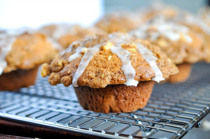 Coffee Cake Muffins {Sweet Mornings Review & Giveaway}