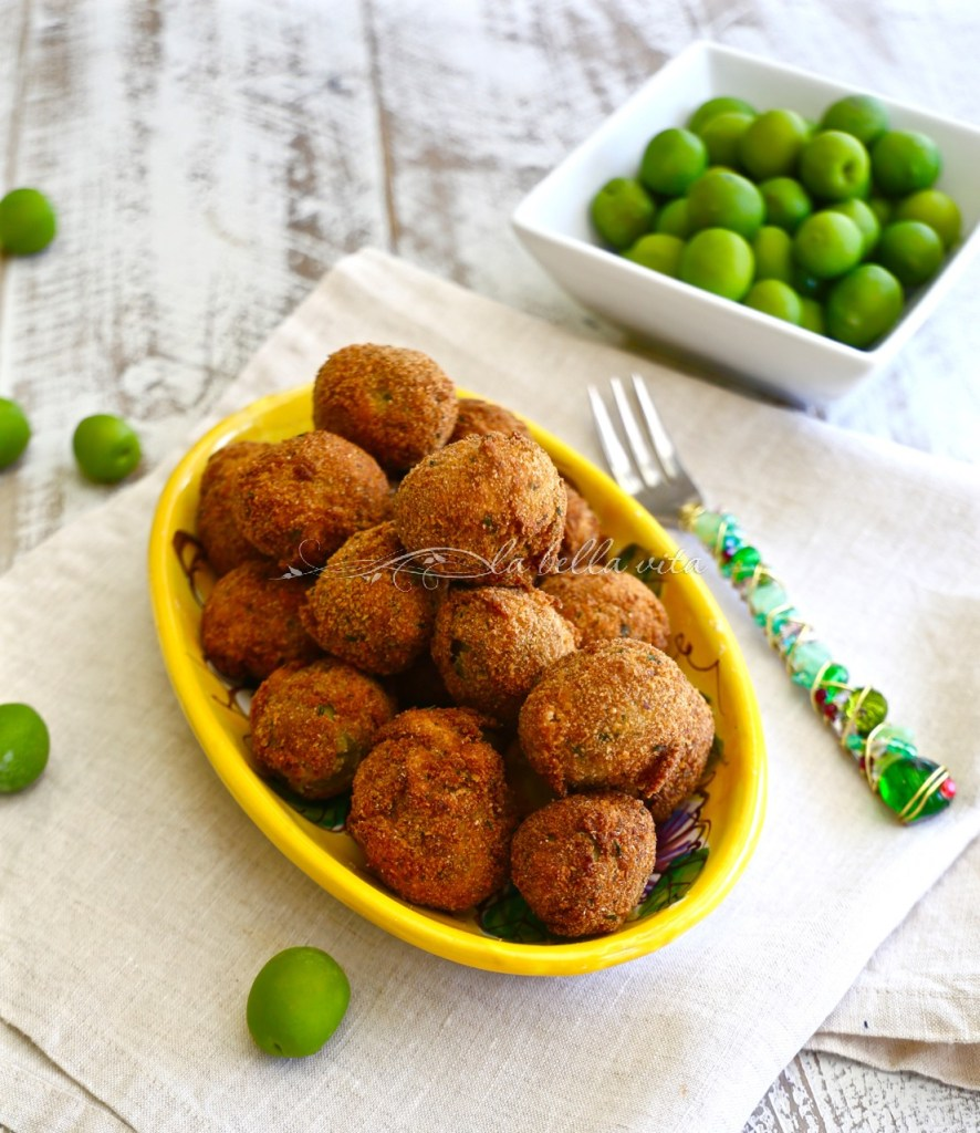 Italian Fried Stuffed Olives Olive all' Ascolana #SundaySupper