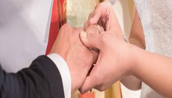 Italia, ci si sposa di più e si divorzia di meno