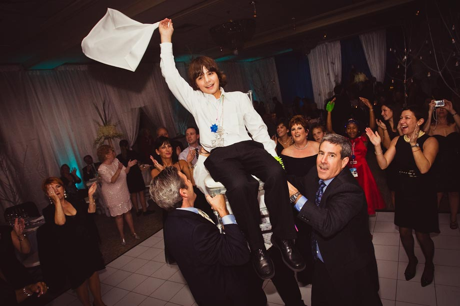 boy&#039;s mitzvah chair dance