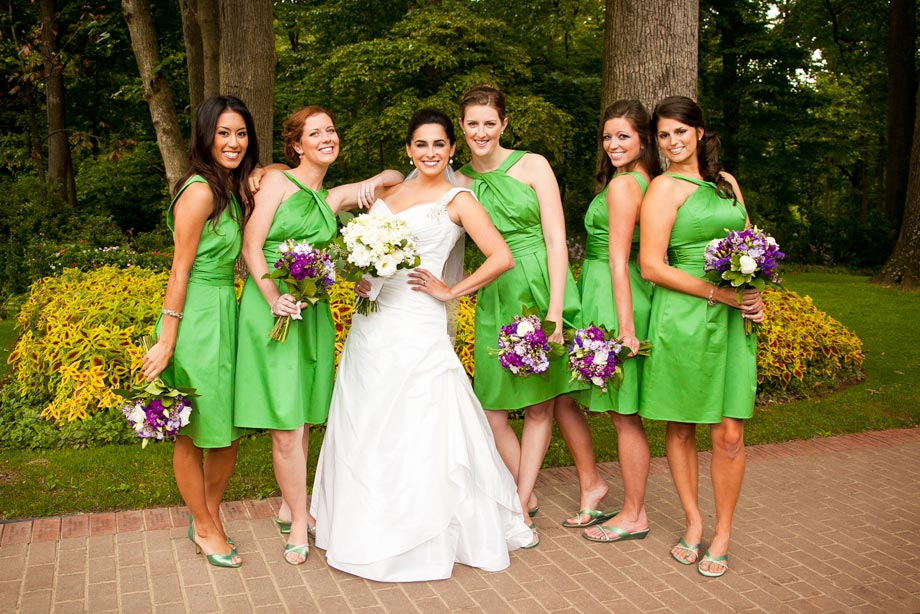 bride with bridesmaids green dresses