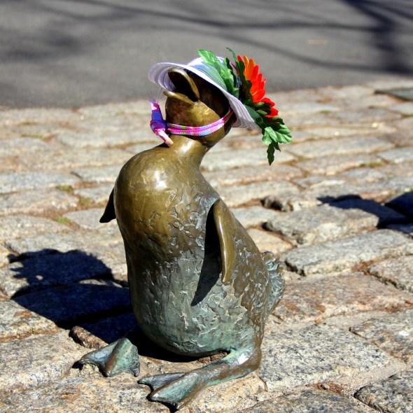 Nancy Schon Statues (1)