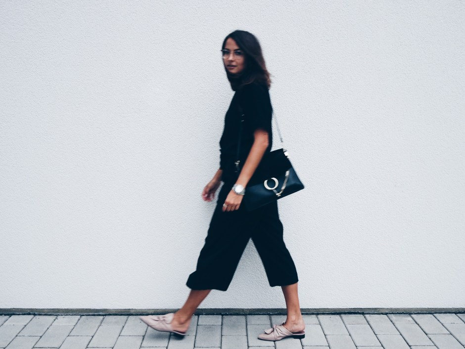 All Black Outfit Topshop Mules 5