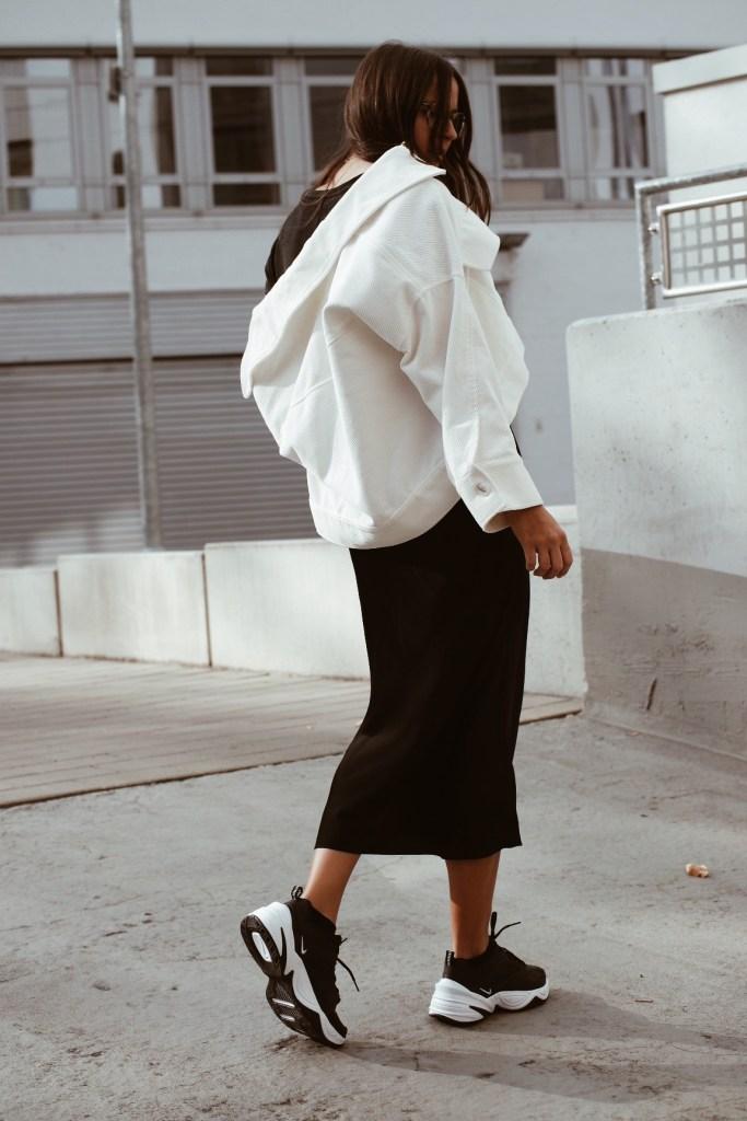 perfekte schwarze sneaker nike tekno jacqueline isabelle 6