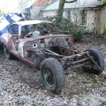 3106557E00000578-3439951-This_rare_Jaguar_E_Type_car_pictured_which_was_left_to_rust_in_a-a-1_1455100139314