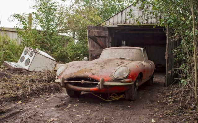 1964-jaguar-e-type-barn-find