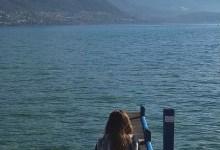 Annecy, les eaux calmes du lac en hiver