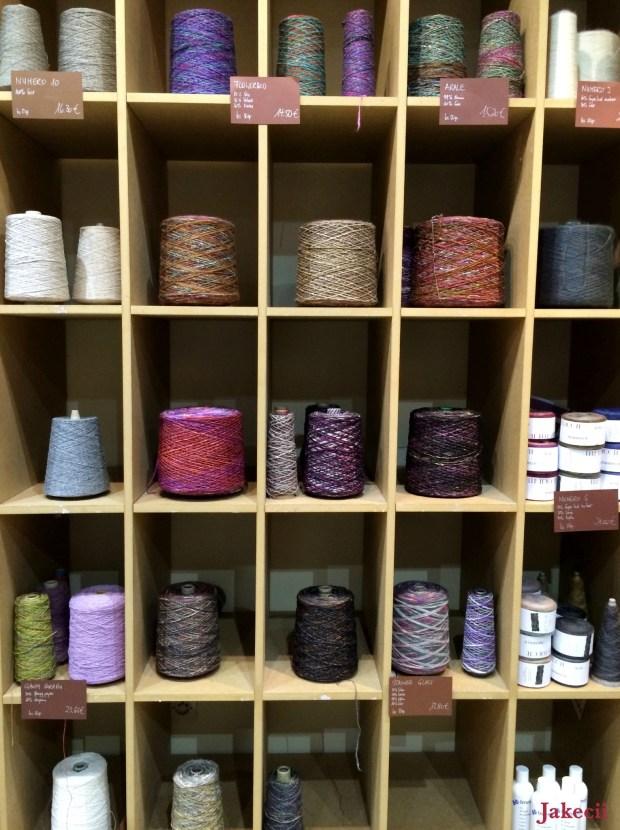 Jakecii - Lyon - Elle tricote (4)