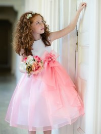 Kid collection coral dress.