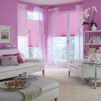 Sichtschutz im Wohnzimmer - moderne Plissees, Gardinen und ...