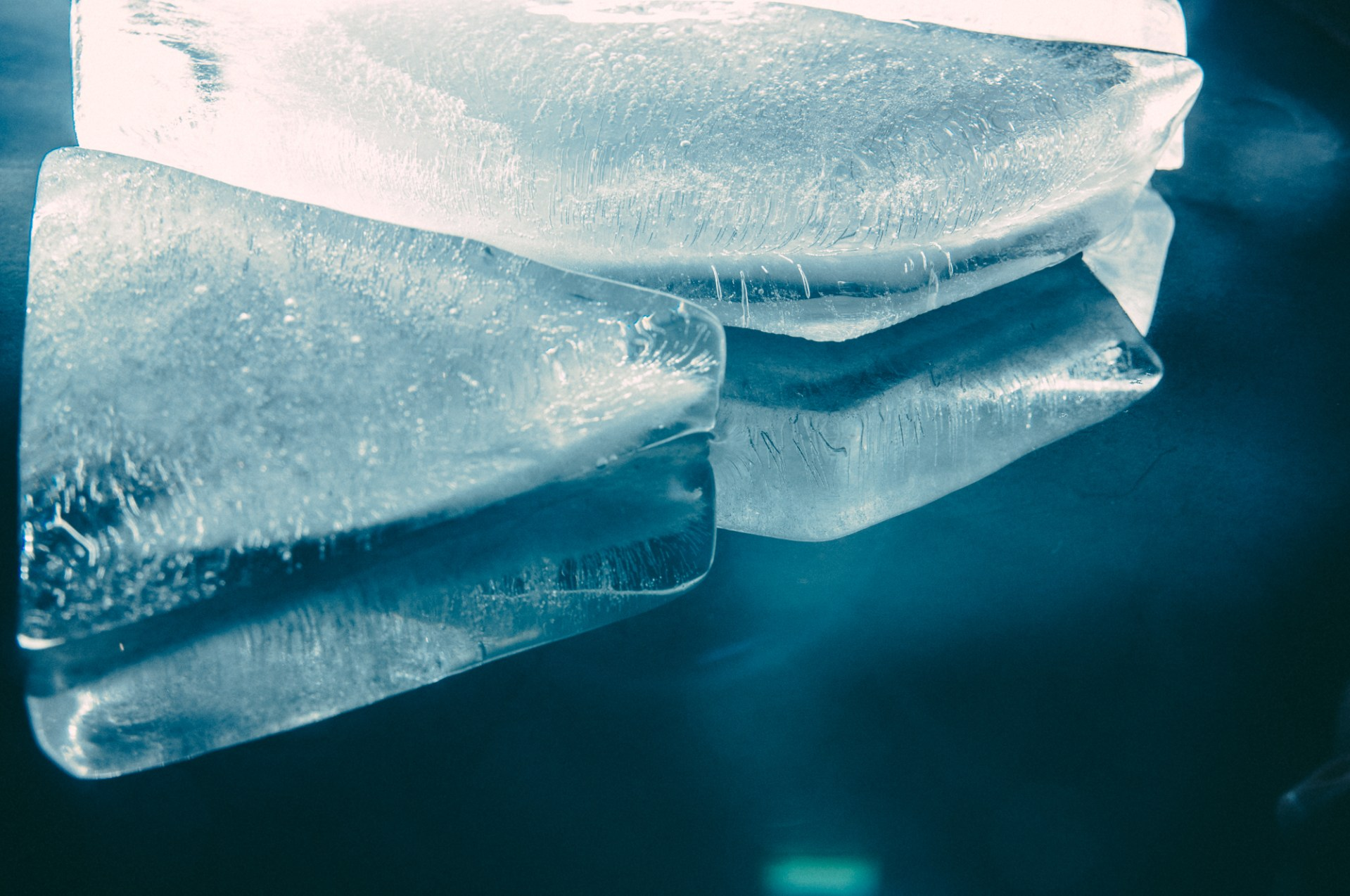 Vincent & Bell Ice Logo Abstract