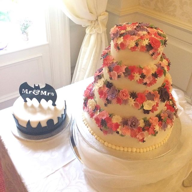 The perfect cakes for the perfect couple on their wedding day