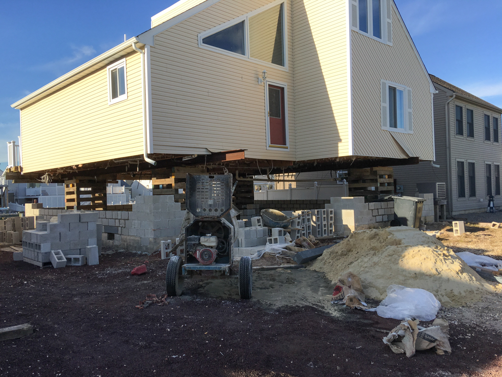 Waterfront homes for sale lbi waterfront homes manahawkin Beach house lifts