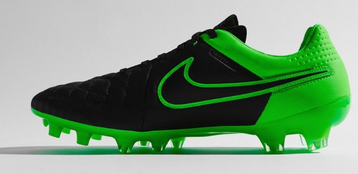 Nike-Tech-Craft-Tiempo-Legend-V-krampon