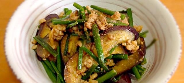 sauté de pousses d'ail (Itamemono) ニンニクの芽の炒め物