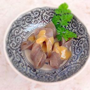 Konjac à la sauce miso vinaigrée  蒟蒻酢味噌