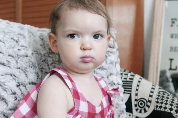 blog maman bébé n'aime pas changer la couche , terrible two , bébé dit non