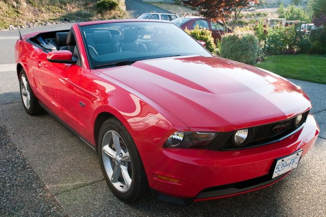 Mustang-2010-red-convertible