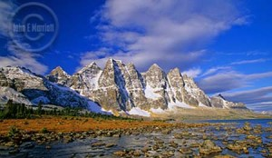 See the best Jasper National Park has to ofer with a guided tour.