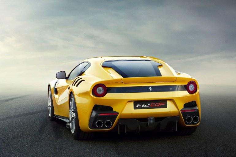 Nieuwe Ferrari F12 TdF Slide 1