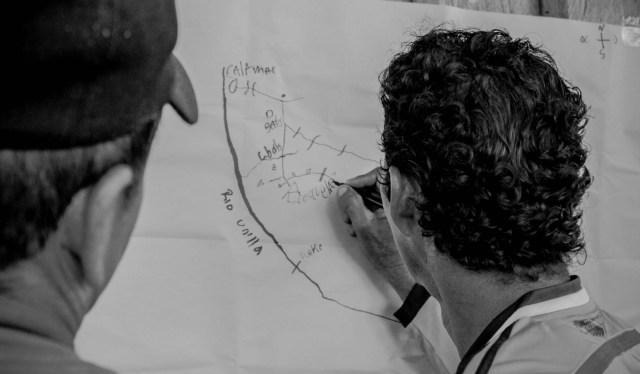 cartografía social, investigadores con la comunidad – Foto tomada por Luis Fernando Gómez Investigador del Cesycme