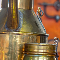 Woudagemaal oil cans