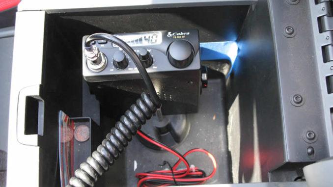 Cobra 19DX IV CB Radio Install in a JK Wrangler jeepfan