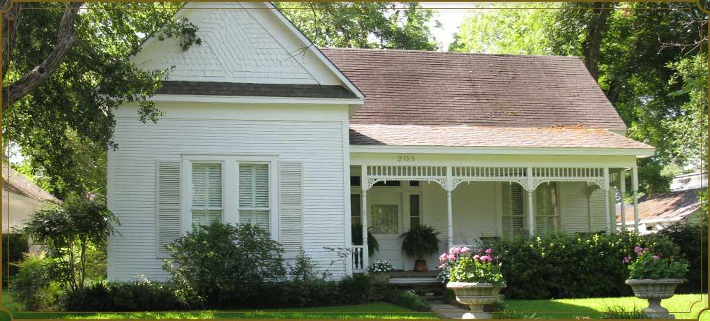 Bode's Clarksville Street Cottage