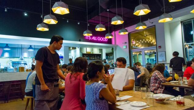 Restaurant Review: Piggy Smalls