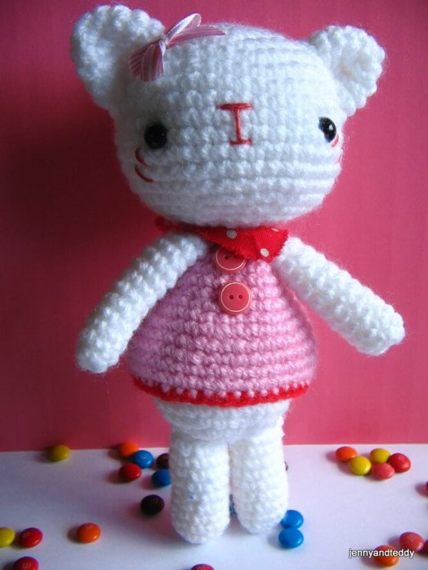 hello-kitty-amigurumi-free-crochet-pattern-by-jennyandteddy