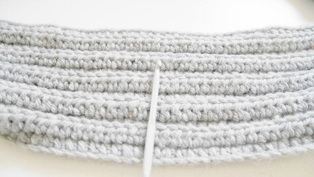easy ribbing infinity scarf free crochet pattern