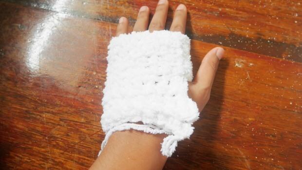acrochet mitten easy