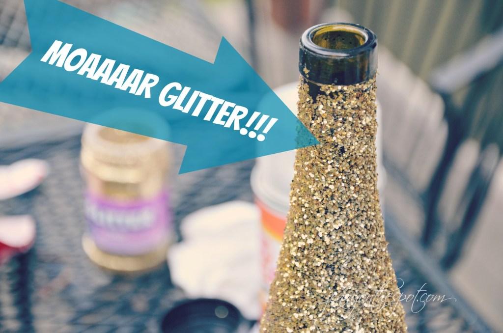 MOAAAAR GLITTER on the glittered wine bottle via @jennyonthespot // www.jennyonthespot.com