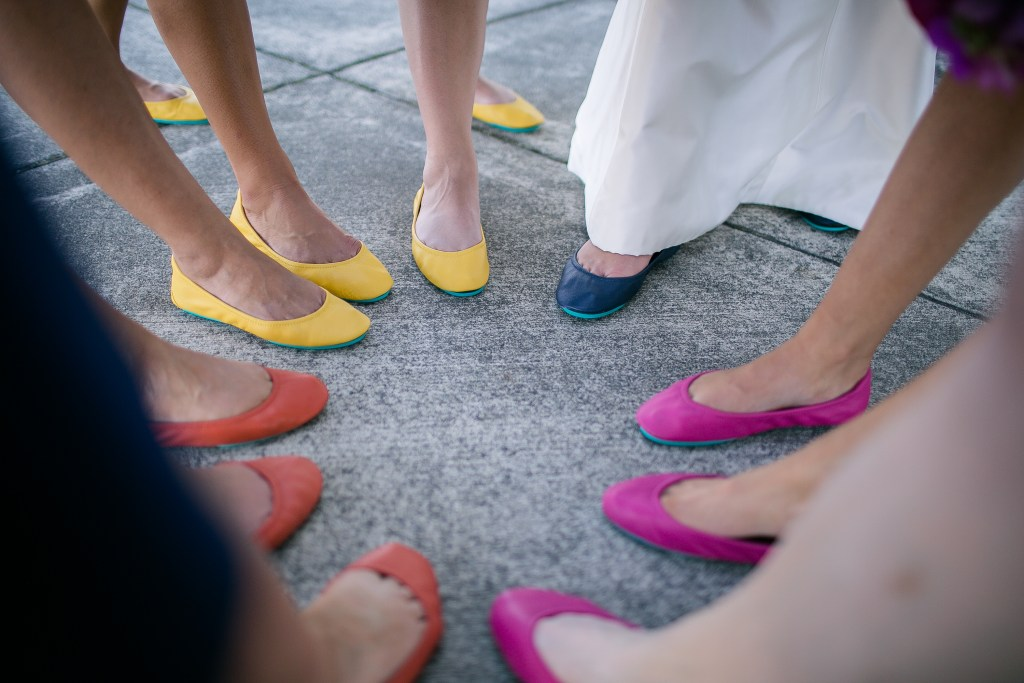 Union Station Tacoma Wedding || Photo: Genesa Richards Photography ||Tieks!