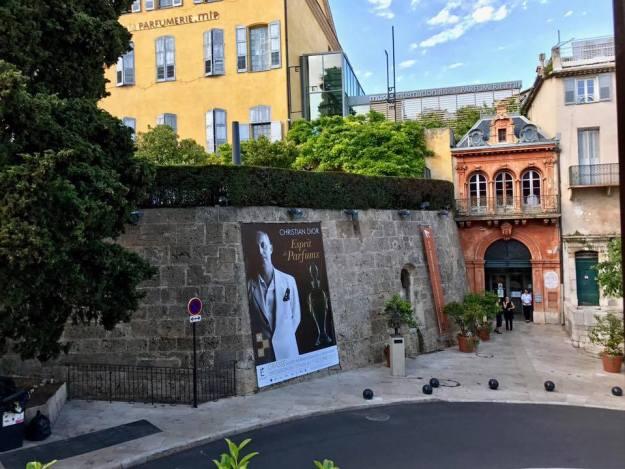Visite privée de l'exposition Christian DIOR pour 180 journalistes 02