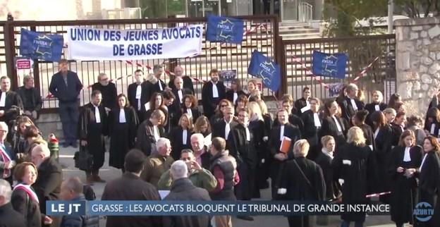 les avocats bloquent le tribunal