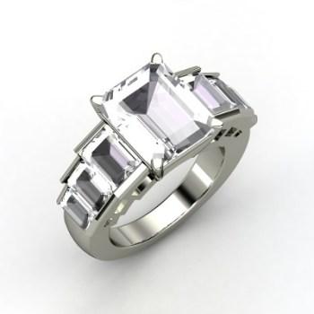 Angelina Jolie's Engagement ring replica