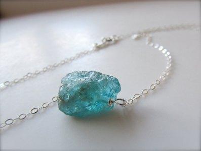 raw-gemstone-necklace