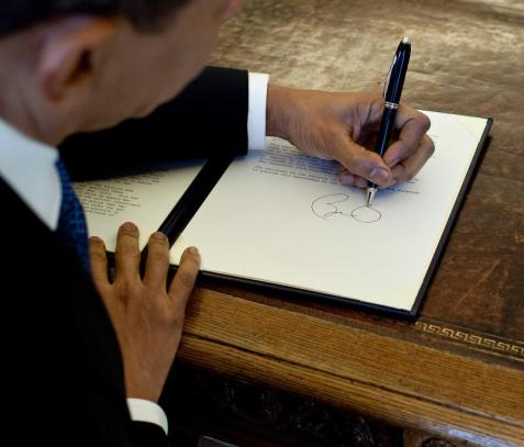 Barach Obama Signature White House file