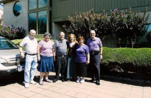 (L-R) Avi and Martha Gittler, Howie and Helen Feintuch, Barbara and Dov Gilor in front of the Feintuch home in Houston.